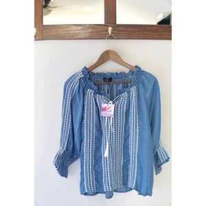 Chicwish Top! NWT! Light weight and comfy material